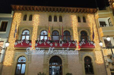 Águilas enciende la Navidad y abre el Belén municipal