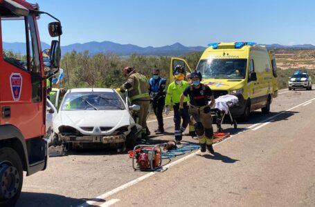 Rescatan a un conductor atrapado en el interior de su vehículo en Aledo
