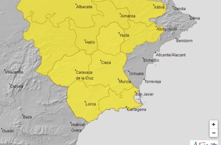 Aviso amarillo en Lorca, Águilas y Mazarrón por lluvias y tormentas que podrían dejar hasta 20 litros en una hora este sábado