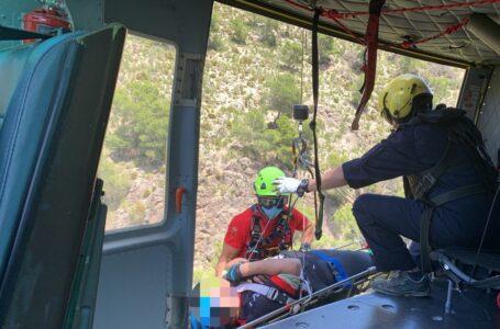 Rescatan en helicóptero a un ciclista accidentado en Alhama de Murcia