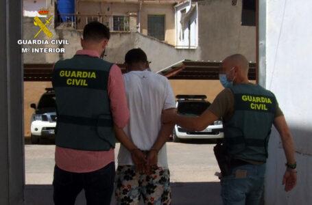 La Guardia Civil detiene en Totana a una persona dedicada a cometer robos con violencia