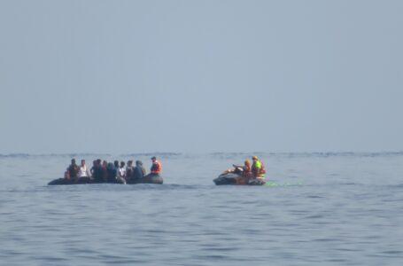 Una patera con 14 personas llega a las costas de Calnegre