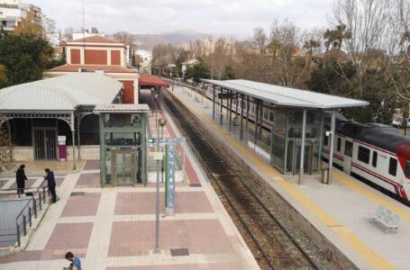 ADIF rechaza el corte por tramos del servicio de trenes de cercanías Murcia-Águilas