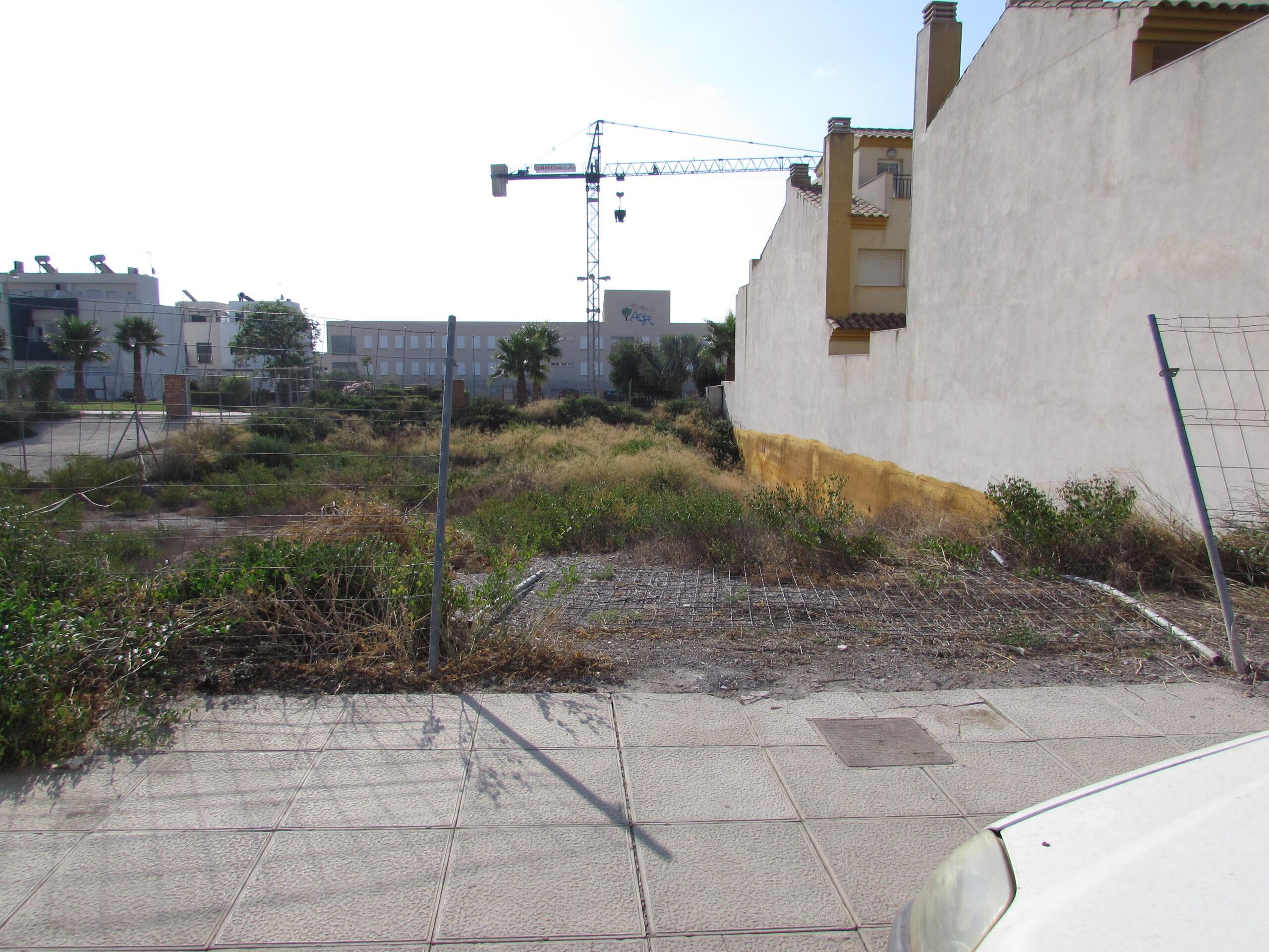El Ayuntamiento dicta nuevos expedientes para saneamiento de fachadas y limpieza de solares particulares